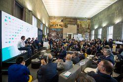 Alejandro Agag, PDG de la Formule E, Jean Todt, président de la FIA, Virginia Elena Raggi, maire de Rome, Angelo Sticchi Damiani, président de l'ACI, Enzo Bianco, maire de Catania, président de l'ANCI lors de la conférence FIA Smart Cities