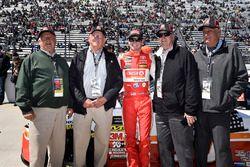 Erik Jones, Joe Gibbs Racing, Toyota Camry Circle K, with guest