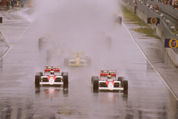 Ayrton Senna, McLaren MP4/5 Honda and Alain Prost, McLaren MP4/5 Honda, Pierluigi Martini, Minardi M189 Ford