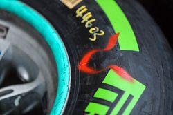El detalle de Pirelli de Lewis Hamilton, Mercedes-Benz F1 W08