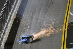 Crash: Ricky Stenhouse Jr., Roush Fenway Racing, Ford Fusion Fifth Third Bank