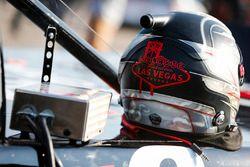 Noah Gragson, Kyle Busch Motorsports, Toyota Tundra Safelite AutoGlass helmet