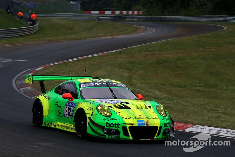 6. #912 Manthey Racing Porsche 911 GT3 R: Richard Lietz, Patrick Pilet, Frédéric Makowiecki, Nick Tandy
