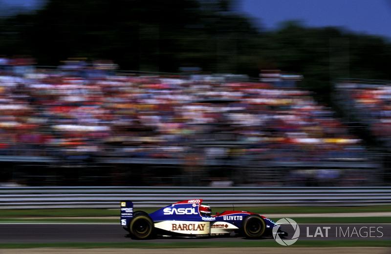 Схожая проблема возникла и в Jordan – ветеран Тьерри Бутсен завершил карьеру после домашнего Гран При в Спа, и вакансию заполнил Марко Апичелла. Дебютант прилетел в Монцу прямо из Японии, где выступал в местном чемпионате.
