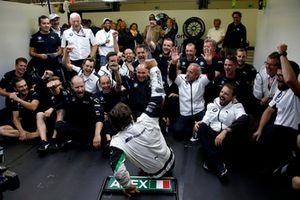 Alex Zanardi, BMW Team RMR with the team