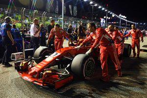 Kimi Raikkonen, Ferrari SF71H, in griglia di partenza