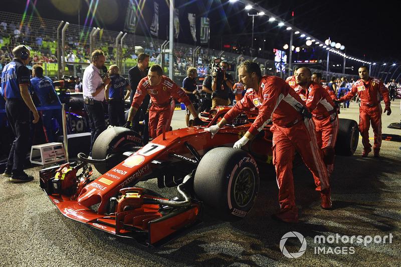 Kimi Räikkönen, Ferrari SF71H, na polach startowych