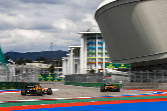 Stoffel Vandoorne, McLaren MCL33, Lando Norris, McLaren MCL33