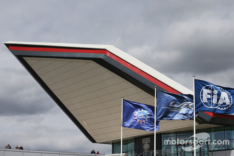 Flaggen: ACO, WEC, FIA