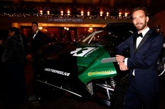 Jean-Eric Vergne avec une voiture d'Extreme.E
