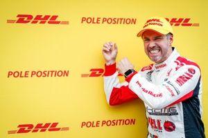 Pole sitter Tiago Monteiro, KCMG Honda Civic Type R TCR