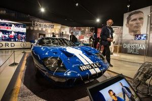 Henri Pescarolo ve Ford GT40