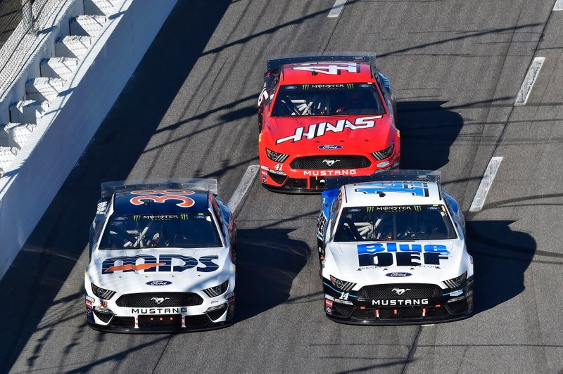Clint Bowyer, Stewart-Haas Racing, Ford Mustang BlueDEF, Daniel Suarez, Stewart-Haas Racing, Ford Mustang Haas Automation