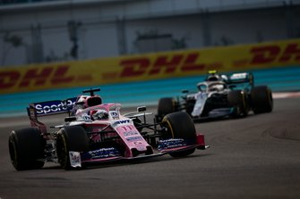 Sergio Perez, Racing Point RP19, voor Valtteri Bottas, Mercedes AMG W10