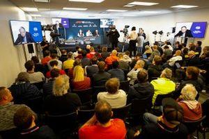 F1-reglementen voor 2021 worden aangekondigd, Jean Todt, President, FIA, Ross Brawn, Managing Director of Motorsports, FOM, Nikolas Tombazis, en Chase Carey, voorzitter Formule 1