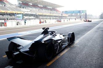 Nyck De Vries, Mercedes Benz EQ, EQ Silver Arrow 01 in the pit lane