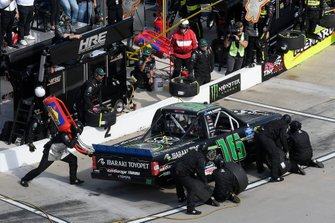 Austin Hill, Hattori Racing Enterprises, Toyota Tundra Ibaraki Toyopet, makes a pit stop