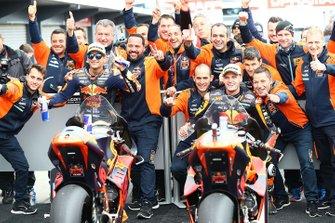 Victoire pour Jorge Martin, KTM Ajo, devant Brad Binder, KTM Ajo