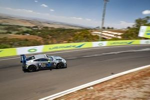 #62 R - Motorsport Aston Martin Vantage AMR GT3: Luca Ghiotto, Marvin Kirchhöfer, Oliver Caldwell