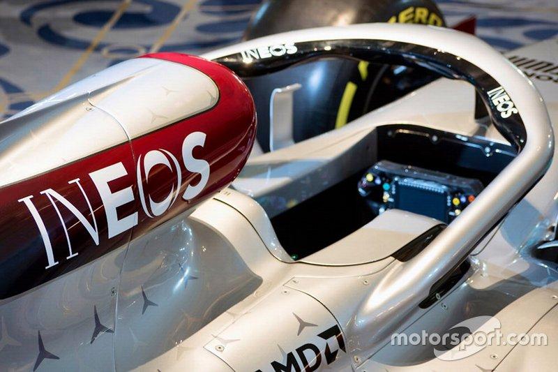 Detalle de la decoración de Mercedes para el W11