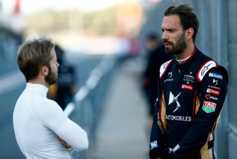 Jean-Eric Vergne, DS TECHEETAH chats with Sam Bird, Envision Virgin Racing in the pit lane