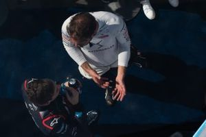 Jean-Eric Vergne, DS Techeetah talks with Robin Frijns, Virgin Racing
