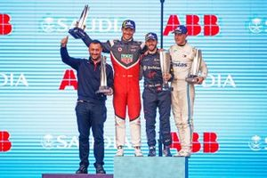 Podium: Race Winner Sam Bird, Virgin Racing, Second position Andre Lotterer, Porsche, Third position Stoffel Vandoorne, Mercedes