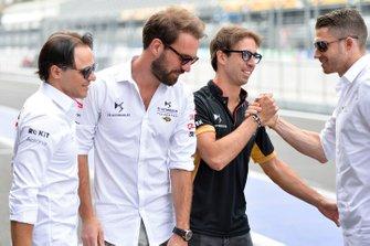 Antonio Felix da Costa, DS Techeetah, Edoardo Mortara, Venturi shake hands as Jean-Eric Vergne, DS Techeetah, Felipe Massa, Venturi look on