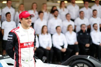 Felipe Massa, Venturi poses for a picture with the team