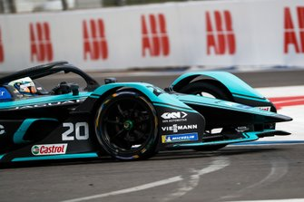 Jamie Chadwick, Rookie Test Driver for Panasonic Jaguar Racing, Jaguar I-Type 4