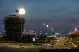 Lewis Hamilton, Mercedes F1 W07 Hybrid lidera a Sebastian Vettel, Ferrari SF16-H y Nico Rosberg, Mercedes F1 W07 Hybrid