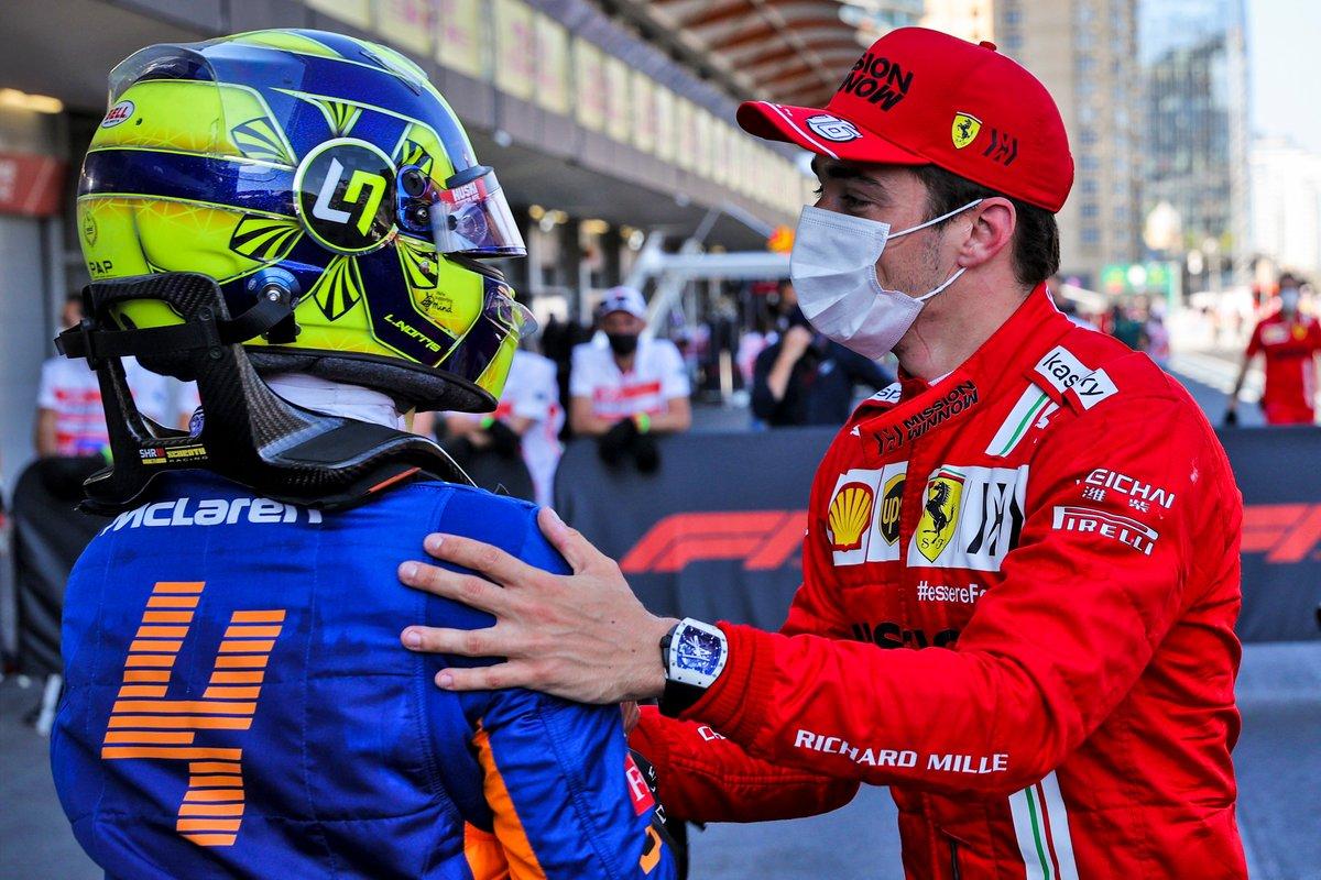 Ganador de la pole Charles Leclerc, Ferrari y Lando Norris, McLaren
