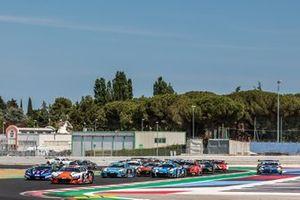Start der GT-World-Challenge Sprint 2021 in Misano