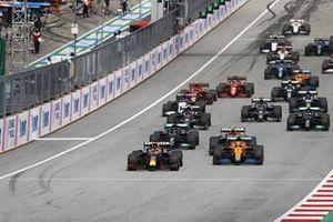 Max Verstappen, Red Bull Racing RB16B, Lando Norris, McLaren MCL35M, Sergio Perez, Red Bull Racing RB16B, Lewis Hamilton, Mercedes W12, Valtteri Bottas, Mercedes W12, Pierre Gasly, AlphaTauri AT02