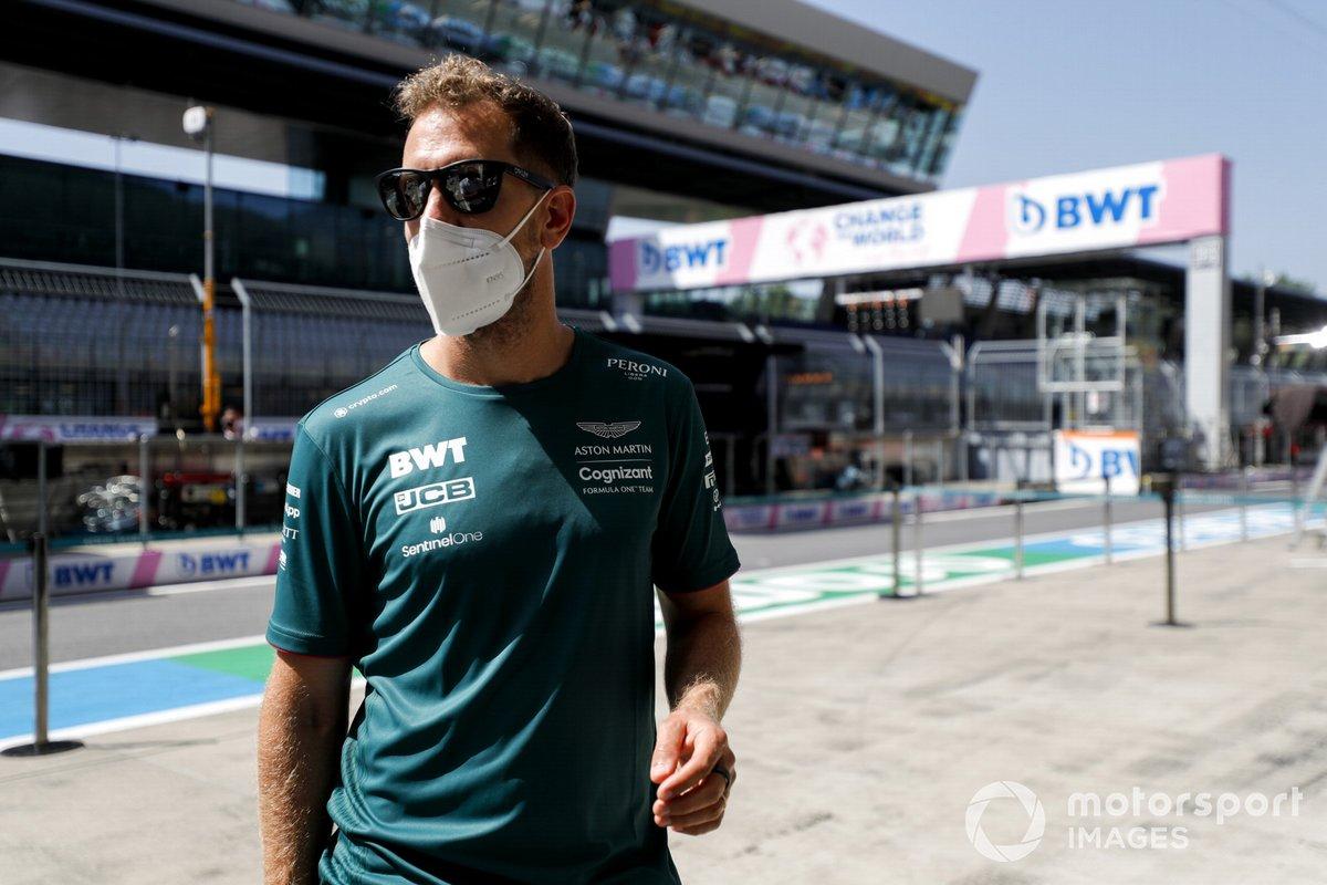 Sebastian Vettel, Aston Martin, recorre la pista del Red Bull Ring