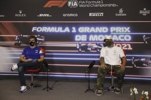 Fernando Alonso, Alpine F1, and Lewis Hamilton, Mercedes, in the Press Conference