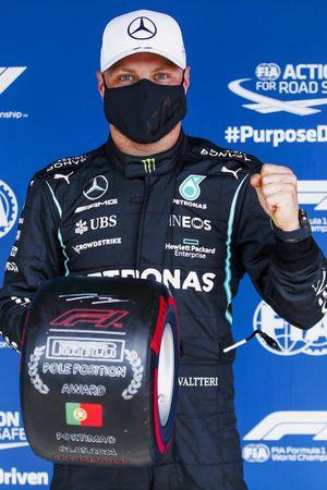 Pole man vvbp, with the Pirelli Pole Position Award