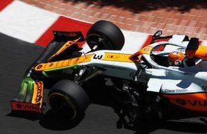 Daniel Ricciardo, McLaren MCL35M, with flow-viz paint applied