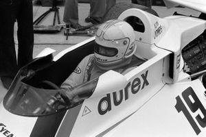Alan Jones, Surtees TS19