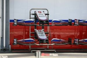 Haas VF-21 front wing