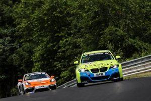 #666 BMW M240i Racing Cup: Carl-Friedrich Kolb, Christopher Brück, Tim Neuser