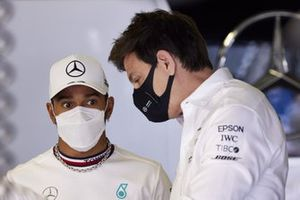 Lewis Hamilton, Mercedes, with Toto Wolff, Team Principal and CEO, Mercedes AMG