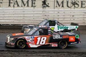 Chandler Smith, Kyle Busch Motorsports, Toyota Tundra JBL, Hailie Deegan, Team DGR, Ford F-150 Toter / Engine Ice