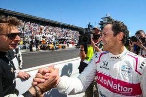 Helio Castroneves, Meyer Shank Racing Honda, Will Power, Team Penske Chevrolet