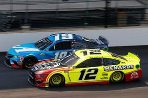 Martin Truex Jr., Joe Gibbs Racing, Toyota Camry Auto Owners Insurance, Ryan Blaney, Team Penske, Ford Mustang Menards/Atlas