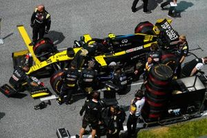 Эстебан Окон, Renault F1, на стартовой решетке Гран При Штирии