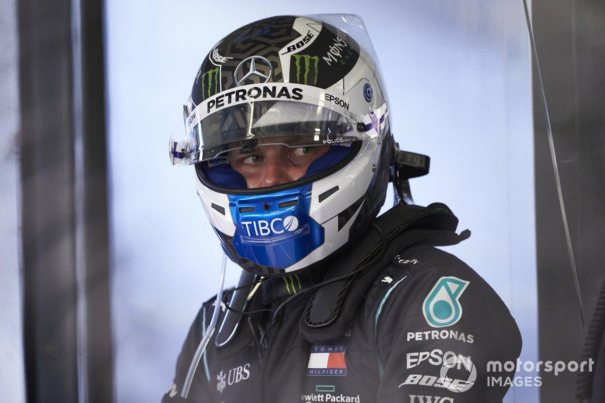 Valtteri Bottas, Mercedes-AMG Petronas F1 in the garage