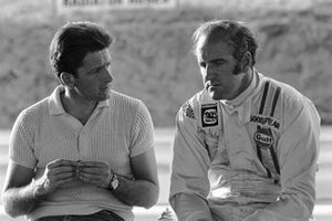 El diseñador de McLaren Ralph Bellamy, Denny Hulme, McLaren