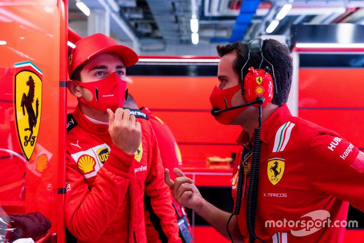 Charles Leclerc, Ferrari, con Xavier Marcos, ingegnere di gara, Ferrari
