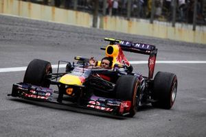 Mark Webber, Red Bull RB9 Renault tours minus his helmet after completing his last race in F1